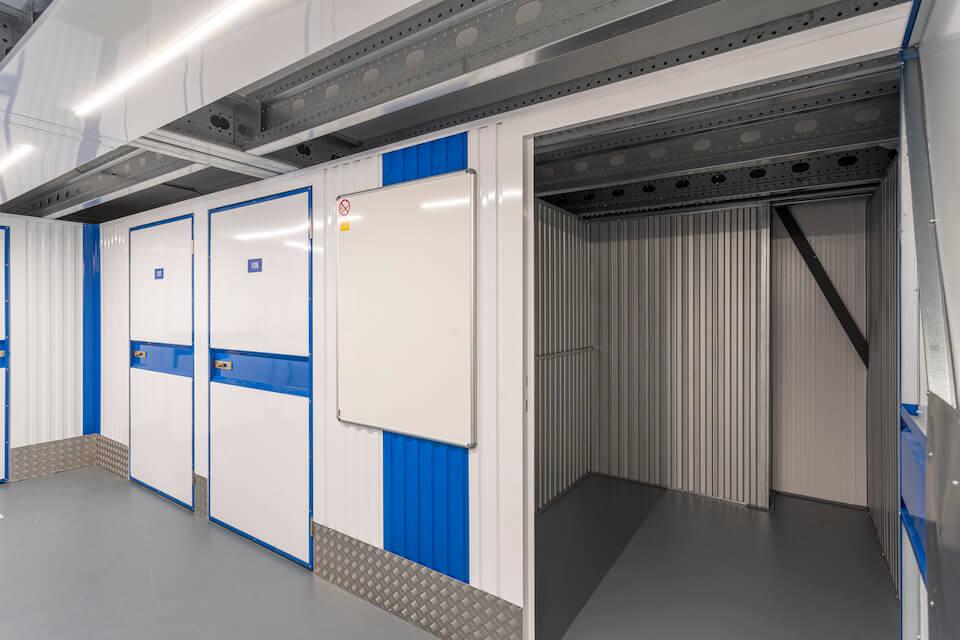 Opslagruimte-blauw-open-960px